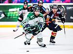 Stockholm 2014-03-27 Ishockey Kvalserien Djurg&aring;rdens IF - R&ouml;gle BK :  <br /> R&ouml;gles Kelsey Tessier i kamp om bollen med Djurg&aring;rdens Henrik Nyberg <br /> (Foto: Kenta J&ouml;nsson) Nyckelord:  DIF Djurg&aring;rden R&ouml;gle RBK Hovet