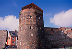 A752PD Medieval tower and town wall Great yarmouth Norfolk England