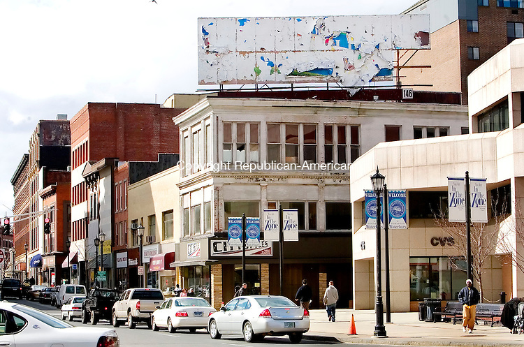 WATERBURY, CT. 10 April 2007-041007SV03--A nasty white-washed billboard sits above exchange place downtown Waterbury.<br /> Steven Valenti Republican-American
