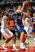 Real Madrid's Marcus Slaughter (l) and BC Khimki MR's Kresimir Loncar during Euroleague 2012/2013 match.November 23,2012. (ALTERPHOTOS/Acero) /NortePhoto