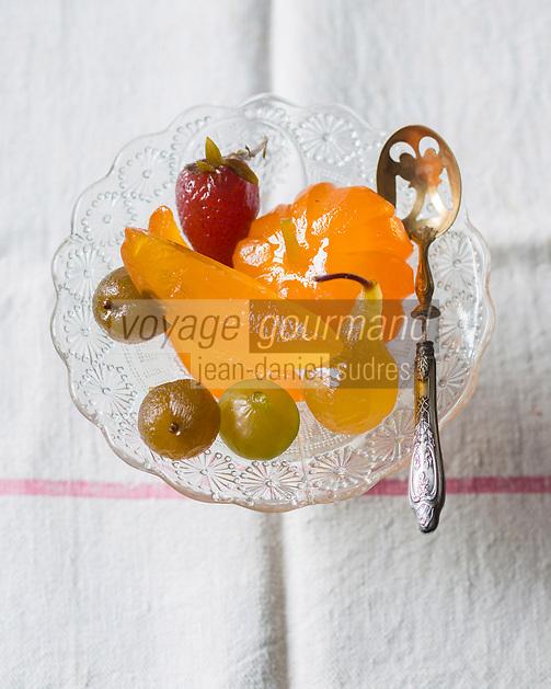 France, Vaucluse (84), Lubéron, Apt,  Fruits confits d'Apt de la Confiseie Marcel Richaud   et de la Confiserie Saint Denis // France, Vaucluse, Luberon, Apt,  candied fruit Apt - Stylisme : Valérie LHOMME