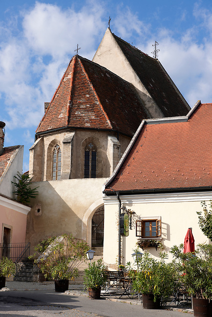 Gothic church in the main square, Rust ( Hungarian: Ruszt ) on the Neusiedler See, Burgenland, Austria