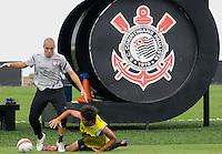 SAO PAULO, SP, 31 DE JANEIRO DE 2012.O jogador Julio Cesar durante Treino do Corinthians no CT Joaquim Grava   - Cangaíba, São Paulo,Brasil(FOTO: ADRIANO LIMA - NEWS FREE)