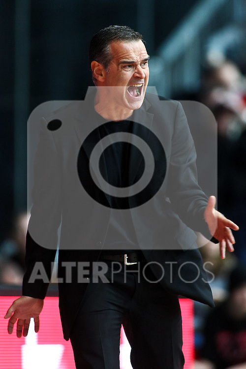 20.11.2010, Olympia Eisstadion, Muenchen, GER, ProA Basketball, FC Bayern Muenchen vs Crailsheim Merlins, im Bild  Dirk Bauermann (Bayern Head Coach) , Foto © nph / Straubmeier