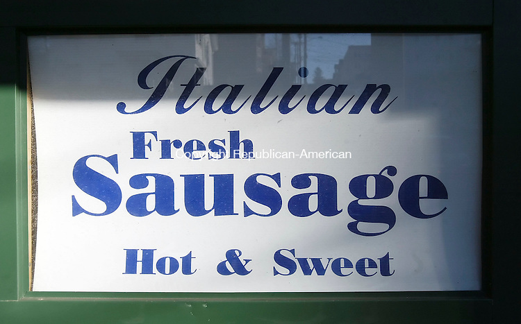 WATERBURY, CT,  04 JANUARY 2006, 010407BZ04- A sign outside La Molisana Sausage at 305 Congress Ave. in Waterbury Thursday afternoon.      <br /> Jamison C. Bazinet Republican-American