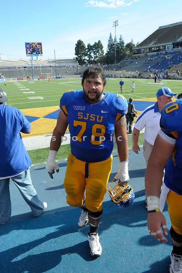 ANDRES VARGAS, of the San Jose State Spartans, in action during San Jose's game against the New Mexico State Aggies on September 24, 2011 at Spartan Stadium in San Jose, CA. San Jose beat New Mexico 34-24.