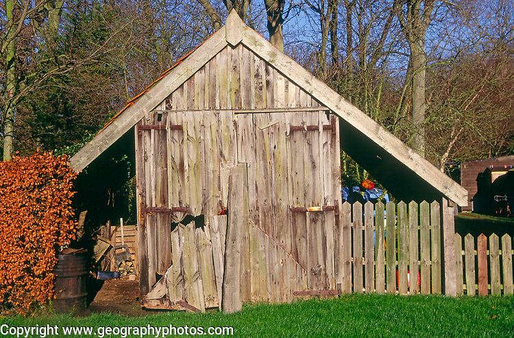 A08BYB Old wooden garage storehouse