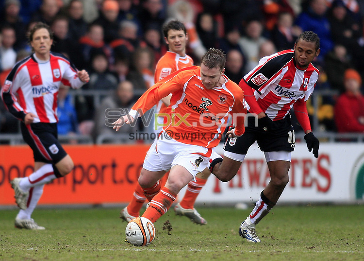 Pix: Chris Mangnall/SWpix.com, Football, Coca-Cola Championship. 08/03/08. Blackpool  v Southampton....picture copyright>>simon wilkinson>>07811267 706>>....Blackpool's Stephen McPhee Deats Southampton's Jhon Viafara to the Ball