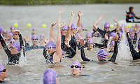 20 JUL 2008 - MANLEY, UK - Pre start Mexican wave - Deva Divas Triathlon. (PHOTO (C) NIGEL FARROW)