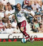 West Ham's Freddie Ljungberg in action. .Pic SPORTIMAGE/David Klein