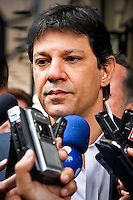 SÃO PAULO,SP,05 SETEMBRO 2013 - FERNANDO HADDAD MOOCA - O prefeito de São Paulo Fernando Haddad esteve na manhã desta quinta feira visitoriando as obras do Teatro Arthur Azevedo na Mooca.FOTO ALE VIANNA - BRAZIL PHOTO PRESS.