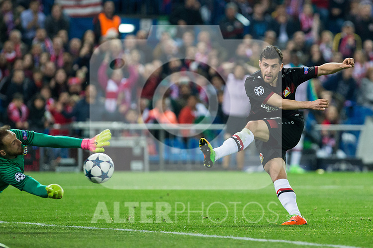 Jan Oblak of Atletico de Madrid and Kevin Volland of Bayer 04 Leverkusen during the match of Uefa Champions League between Atletico de Madrid and Bayer Leverkusen at Vicente Calderon Stadium  in Madrid, Spain. March 15, 2017. (ALTERPHOTOS / Rodrigo Jimenez)