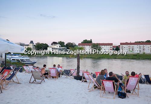Elbeufer, Strandbar, Magdeburg