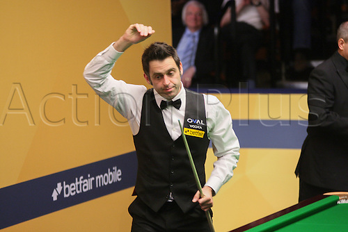 01.05.2013 Sheffield, England. Ronnie O'Sullivan salutes his win against Stuart Bingham during the Quarter Final of the World Snooker Championships from The Crucible Theatre.