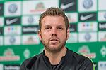 11.01.2018, Weserstadion, Bremen, GER, 1.FBL, Pressekonferenz Werder Bremen, <br /> <br /> im Bild<br /> Florian Kohfeldt (Trainer SV Werder Bremen), <br /> <br /> Foto &copy; nordphoto / Ewert