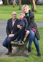 Pictured: Bruno Pollet originally from France with wife Emma, originally from Edinburgh and two and a half year old son Hugo at Ammanford Park in Carmarthenshire, Wales, UK. Monday 27 February 2017<br />