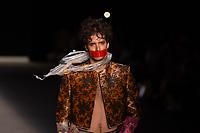 SAO PAULO, SP, 24.04.2019 - MODA-SP -Modelo durante desfile da marca João Pimenta durante a edição 47 da São Paulo Fashion Week, no espaço Arca, zona oeste de São Paulo, nesta quarta-feira, 24. (Foto: Ciça Neder / Brazil Photo Press)