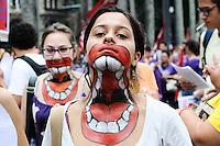 SAO PAULO, SP, 08 MARÇO 2013 - Manifestacao na Praca da Se dass em relacao ao dia internacional da mulher, nesta tarde de sexta-feira,08  (FOTO: ADRIANO LIMA / BRAZIL PHOTO PRESS).