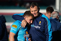 Duncan Weir of Worcester Warriors with assistant coach Mark Hewitt. Gallagher Premiership match, between Leicester Tigers and Worcester Warriors on September 21, 2018 at Welford Road in Leicester, England. Photo by: Patrick Khachfe / JMP