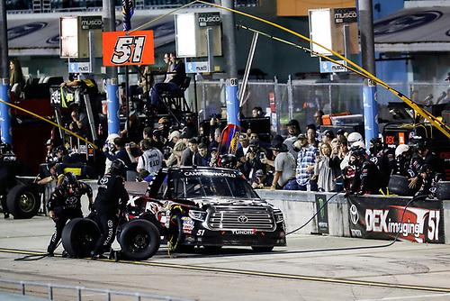 #51: Harrison Burton, Kyle Busch Motorsports, Toyota Tundra DEX Imaging, pit stop