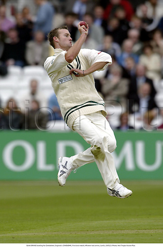 SEAN ERVINE bowling for Zimbabwe, England v ZIMBABWE, First test match, NPower test series, Lord's, 030523. Photo: Neil Tingle/Action Plus...2003.Cricket.bowler bowlers.