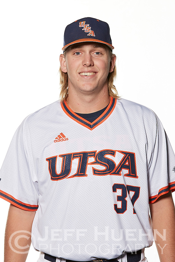 SAN ANTONIO, TX - JANUARY 11, 2017: The University of Texas at San Antonio Roadrunners Baseball Team and Individual photos. (Photo by Jeff Huehn)