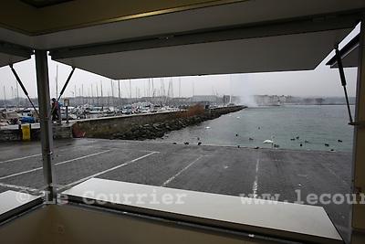 Genève, le 20.01.2010.Nouveaux pavillons sur la rade au bord du lac en remplacement de la ferazinette... .© Le Courrier / J.-P. Di Silvestro