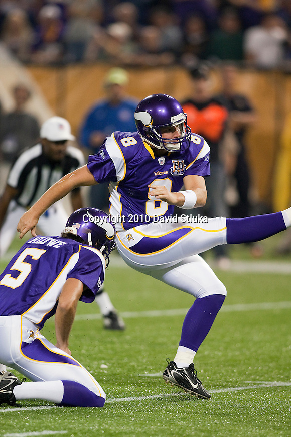 Minnesota Vikings kicker Ryan Longwell (8) during an NFL preseason football game against the Denver Broncos in Minneapolis, Minnesota on September 2, 2010. (AP Photo/David Stluka)