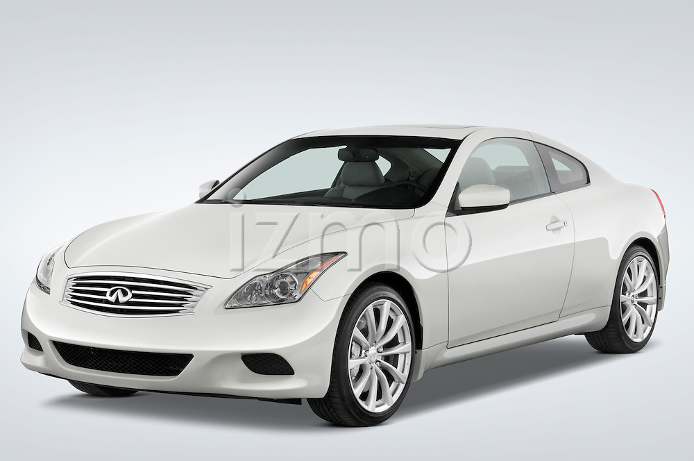 Front three quarter view of 2008 Infiniti G37S Coupe Stock Photo