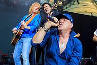 Christof Stein-Schneider, Thorsten Wingenfelder und Kai Wingenfelder von Fury in the Slaughterhouse live im Gerry-Weber-Stadion. Halle (Westf.), 21.07.2017