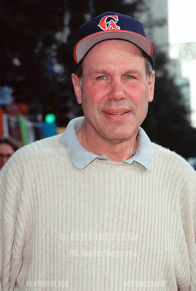 """13NOV99:  Disney chairman MICHAEL EISNER at the world premiere of Disney/Pixar's """"Toy Story 2"""" at the El Capitan Theatre, Hollywood..© Paul Smith / Featureflash"""