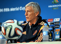 CUIABA - BRASIL -23-06-2014. Jose Pekerman técnico de la selección de fútbol de Colombia (COL) durante rueda de prensa después del último entrenamiento en el estadio Arena Pantanal de Cuiaba previo al partido del Grupo C ante Japón (JPN) como parte de la Copa Mundial de la FIFA Brasil 2014./ Jose Pekerman coach of Colombia (COL) National Soccer Team during press conference after the training at Arena Pantanal stadium in Cuiaba prior of the Group C match against Japan (JPN) as part of the 2014 FIFA World Cup Brazil. Photo: VizzorImage / Alfredo Gutiérrez / Contribuidor