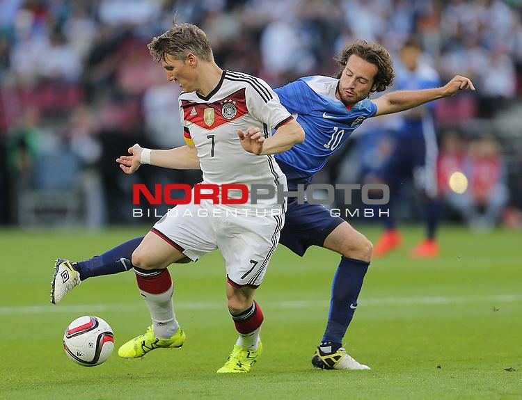 DFB Freundschaftsl&auml;nderspiel, Deutschland vs. USA<br /> Bastian Schweinsteiger (Deutschland), Mix Diskerud (USA)<br /> <br /> Foto &copy; nordphoto /  Bratic