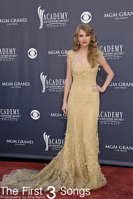 Taylor Swift attends the 46th Annual Academy of Country Music Awards in Las Vegas, Nevada on April 3, 2011.