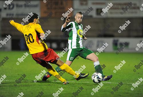 2012-11-17 / Voetbal / seizoen 2012-2013 / Racing Mechelen - Waregem / Znagui met Benoit Sotteau (r. RCM)..Foto: Mpics.be