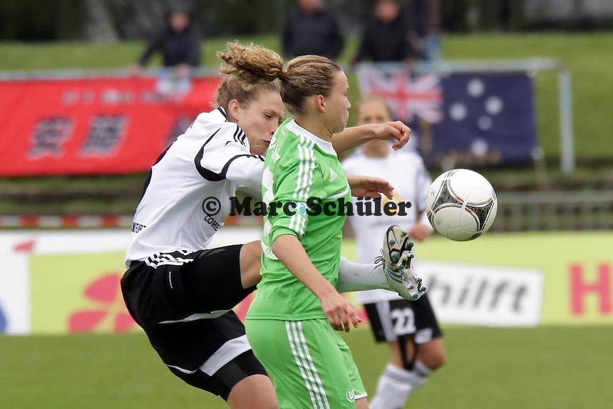 Kim Kulig (FFC) gegen Nadine Keßler (VfL)
