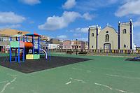 Igreja Santa Isabel und Spielplatz in Sal Rei, Boa Vista, Kapverden, Afrika