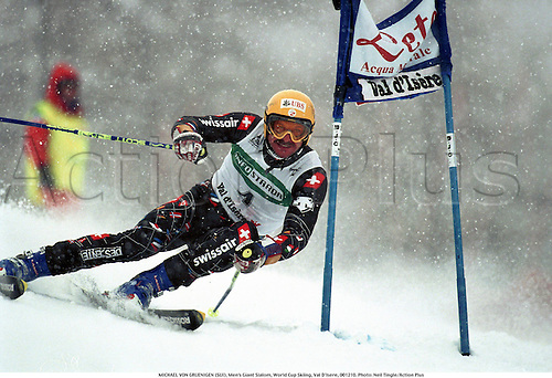MICHAEL VON GRUENIGEN (SUI), Men's Giant Slalom, World Cup Skiing, Val D'Isere, 001210. Photo: Neil Tingle/Action Plus...2000.skiing.winter sport.winter sports.wintersport.wintersports.alpine.ski.skier.man