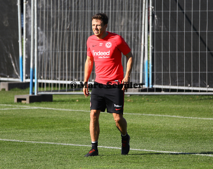 Nikolai Müller (Eintracht Frankfurt) - 10.10.2018: Eintracht Frankfurt Training, Commerzbank Arena, DISCLAIMER: DFL regulations prohibit any use of photographs as image sequences and/or quasi-video.