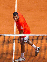 Jo-Wilfred TSONGA (FRA) against Juan Carlos FERRERO (ESP) in the third round. Juan Carlos Ferrero beat Jo-Wilfred Tsonga 6-1 3-6 7-5..International Tennis - 2010 ATP World Tour - Masters 1000 - Monte-Carlo Rolex Masters - Monte-Carlo Country Club - Alpes-Maritimes - France..© CameraSport - 43 Linden Ave. Countesthorpe. Leicester. England. LE8 5PG - Tel: +44 (0) 116 277 4147 - admin@camerasport.com - www.camerasport.com