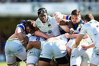 Maro Itoje of Saracens and Elliott Stooke of Bath Rugby in action at a maul. Aviva Premiership match, between Bath Rugby and Saracens on September 9, 2017 at the Recreation Ground in Bath, England. Photo by: Patrick Khachfe / Onside Images