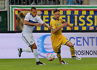 Jonathan Biabiany  and Daniel Plavovic  during the  italian serie a soccer match,between Frosinone and Inter      at  the Matusa   stadium in Frosinone  Italy , April 09, 2016