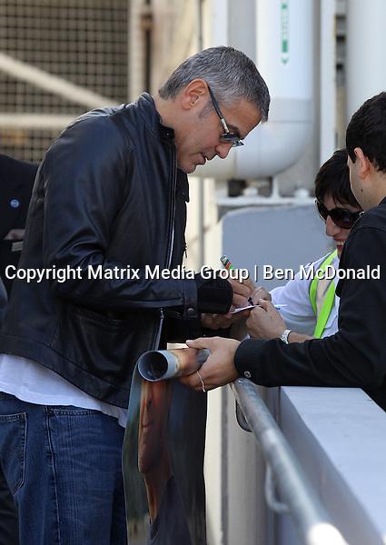 11 DECEMBER 2011 SYDNEY AUSTRALIA<br /> <br /> NON EXCLUSIVE<br /> <br /> George Clooney arrives in Sydney. Pictured at Sydney International Airport