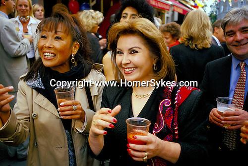 Belgravia. London Motcombe Street, street party. July 1998