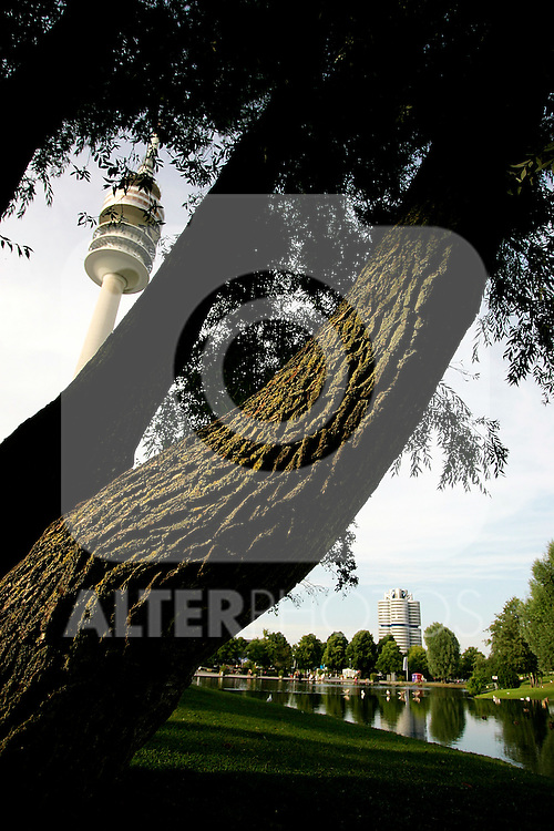 Threes at the Olympia park with the Olympiaturm or Olympic tower in Munich, July 30, 2008. (ALTERPHOTOS/Alvaro Hernandez)