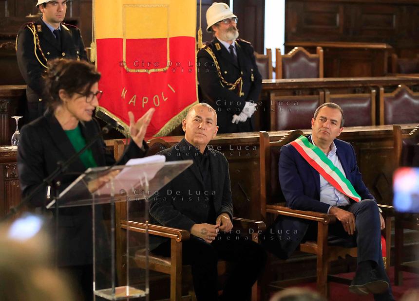 Cittadinanza onoraria di Napoli al regista  Ferzan Ozpetek. Nella foto con Luigi de Magistris sindaco di Napoli