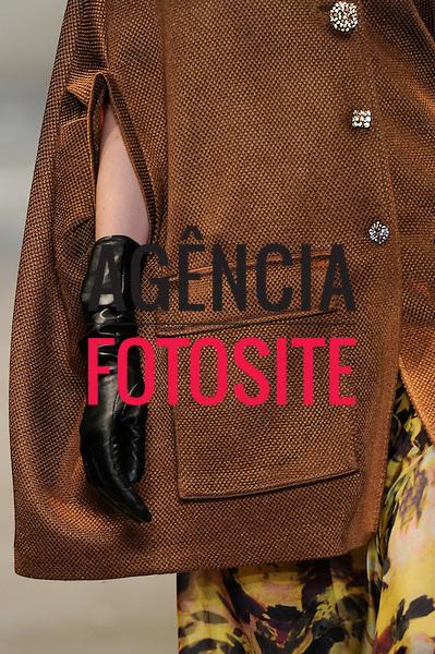 Rio de Janeiro, Brasil – 13/01/2011 - Detalhe do desfile da Printing durante o Fashion Rio  -  Inverno 2011. Foto : Marcelo Soubhia/ Agência Fotosite