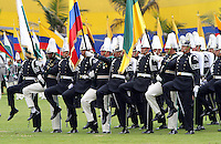 BOGOTA - COLOMBIA- 16 -05-2013: Graduación de 300 Alféreces a subtenientes en la Escuela General Santander de La Policia Nacional ,con la presencia del presidente de la república Juan Manuel Santos ,Juan Pinzón Ministro de Defensa y del director de la Policia Nacional General  José Roberto León Riaño . (Foto: VizzorImage / Felipe Caicedo / Staff). : Graduation 300 Ensigns to Lieutenants in General Santander School of The National Police, with the presence of the President of the Republic Juan Manuel Santos, Juan Pinzon Minister of Defense and National Police Director General Jose Roberto Leon Riano  (Foto: VizzorImage / Felipe Caicedo / Staff).
