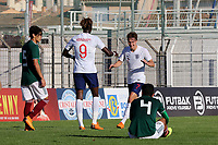 Kieran Dowell celebrates scoring England's second goal with Tammy Abraham during Mexico Under-21 vs England Under-21, Tournoi Maurice Revello Final Football at Stade Francis Turcan on 9th June 2018