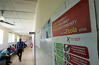 Fatebenefratelli Ospedale Saint John of God di Lunsar nella foto cartello che indica il comportamento da osservare per evitare i contagi da Ebola sanit&agrave; Lunsar 29/03/2016 foto Matteo Biatta<br /> <br /> Fatebenefratelli Hospital Saint John of God in Lunsar in the picture sign indicating the behavior to be observed to prevent the contagion from Ebola Ebola outbreak health Lunsar 29/03/2016 photo by Matteo Biatta